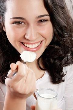 woman-yogurt-probiotics