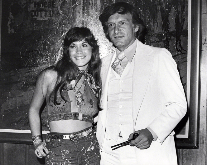 NEW YORK, NY - CIRCA 1970s: Barbi Benton and Hugh Hefner at the Playboy Club circa 1970s in New York City. (Photo by PL Gould/IMAGES/Getty Images)