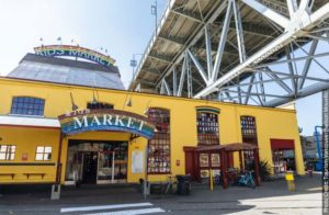 cl-vancouver-with-kids-granville-kids-market